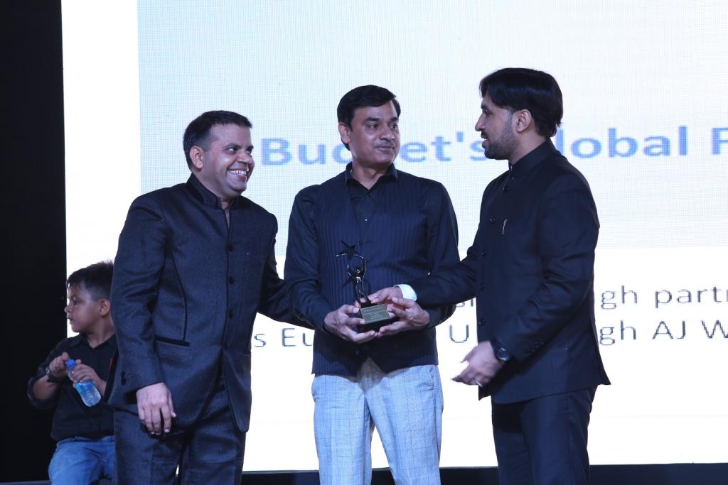 5. Customers award pics (11)