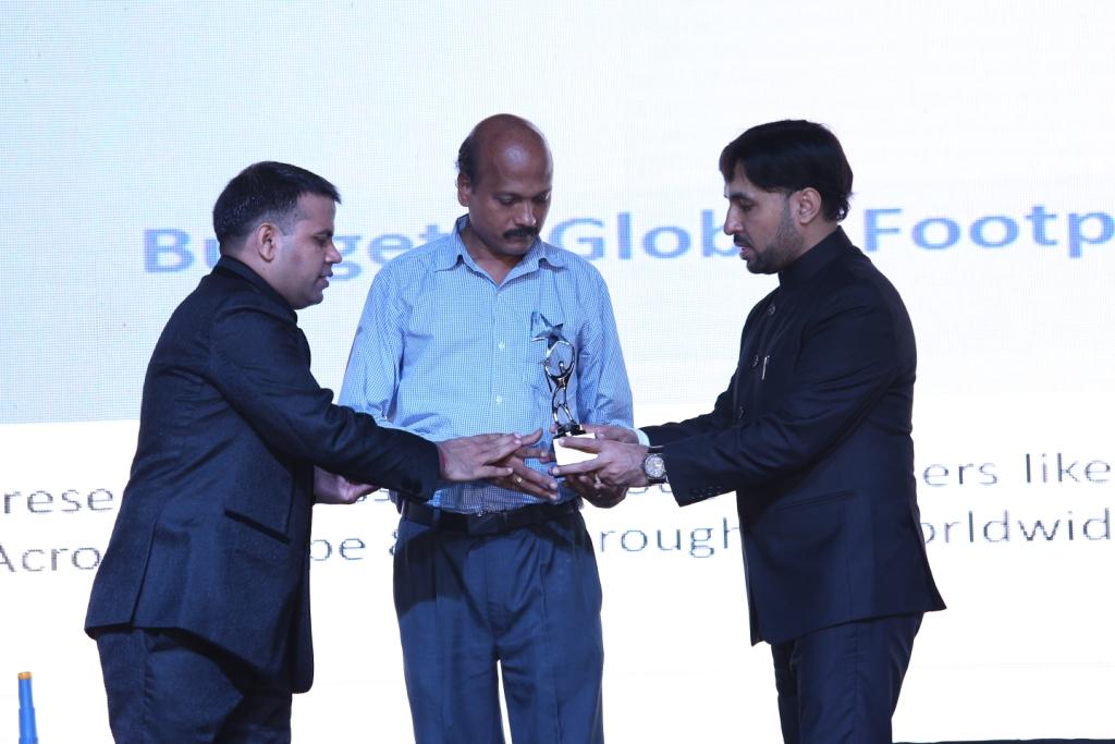 5. Customers award pics (2)