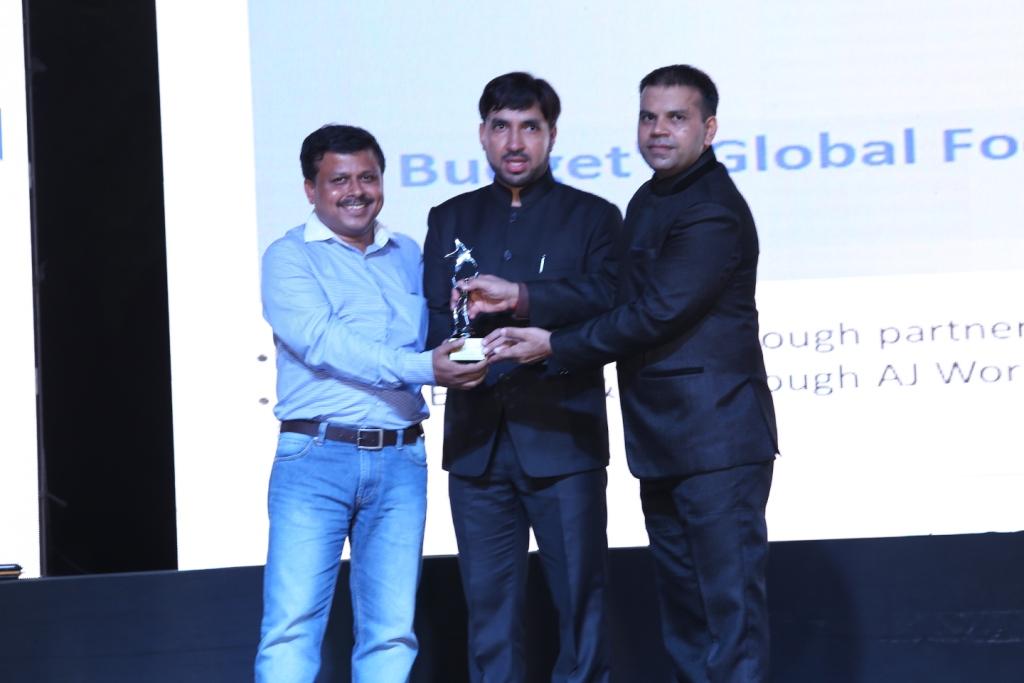 5. Customers award pics (7)